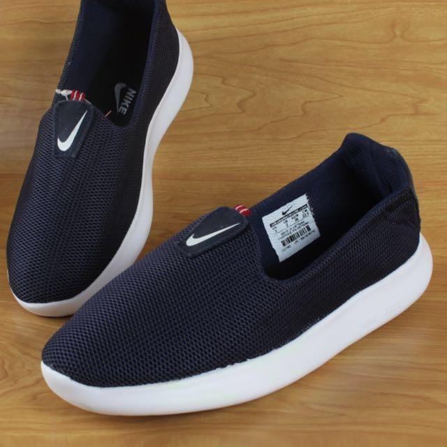 Nike Slip On Black