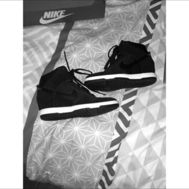 Paid $160- Size 7 Nike Dunk Sky Hi Shoes