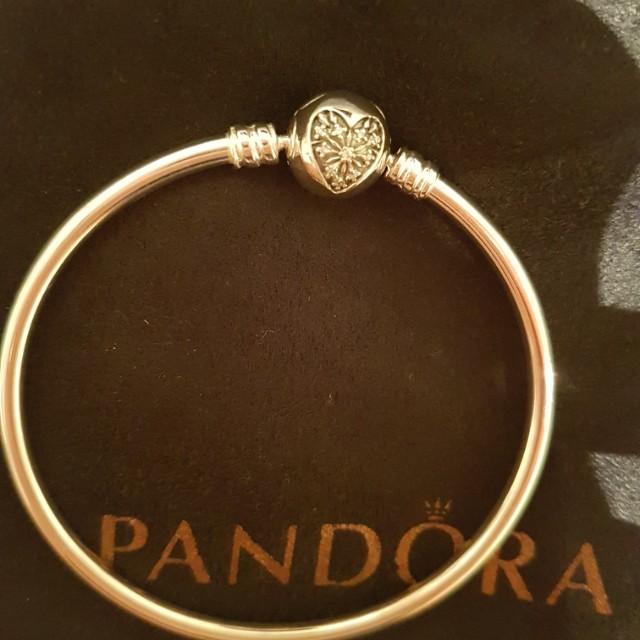 Pandora bangle xmas limited edition