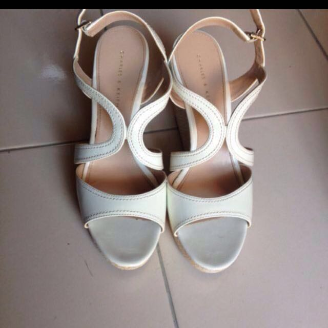 (Promo!) Charles and Keith white wedges