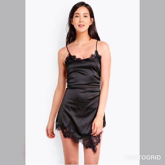 SALE🎉ASYMMETRICAL SILKY LACE DRESS