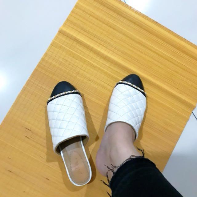 sandal merk pla