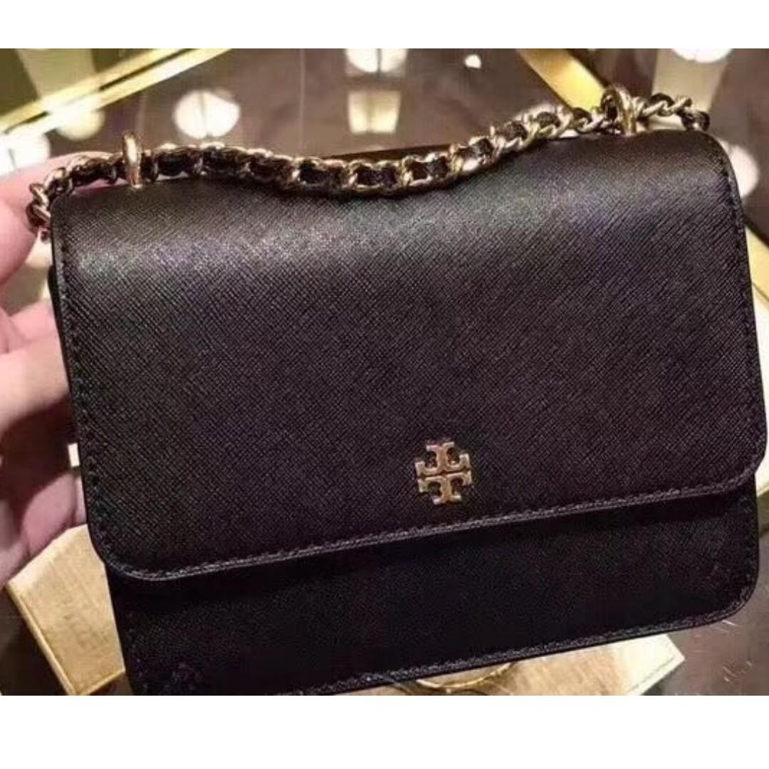 d3c8a63d5456 ... shop tory burch robinson convertible shoulder bag black luxury bags  8f72c b6420