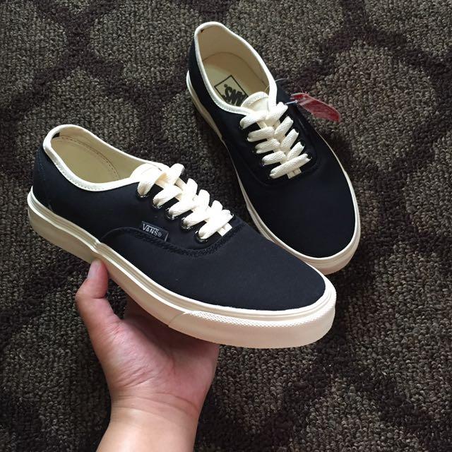 vans black bone