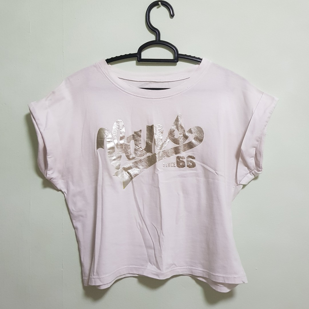 c48a799f6d4 Vans Sliver Crop Top, Women's Fashion, Clothes, Tops on Carousell