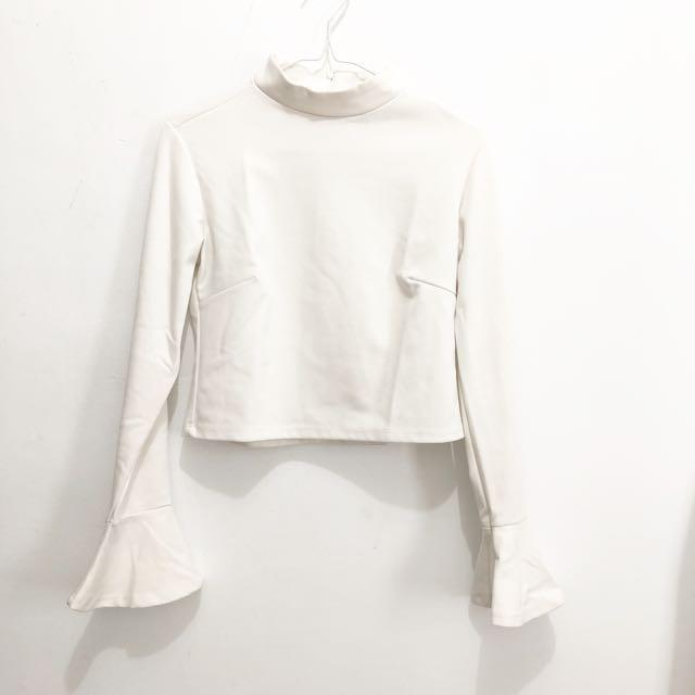 White Top    white crop top murah baju putih daleman putih kaos putih kaos lengan panjang putih blouse putih blouse premium baju import murah