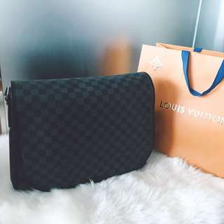 Louis Vuitton 90% 新 真品 男裝 男士 黑灰棋盤格 則背 郵件袋