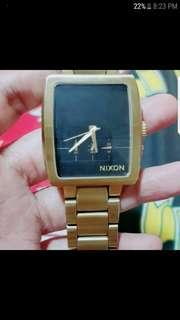 nixon axis gold