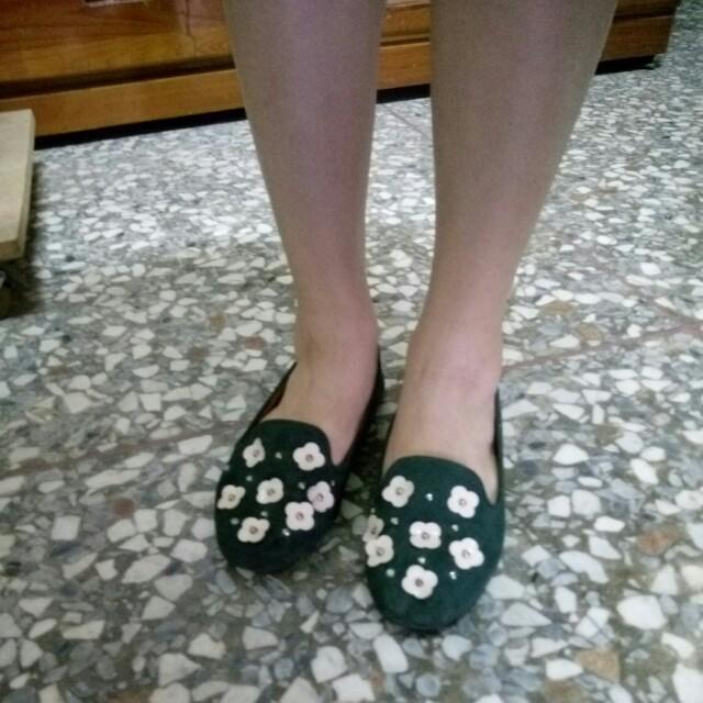 0101小花平底鞋