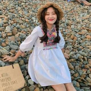 🚚 民俗風 彩色刺繡 小毛球 洋裝