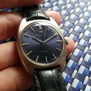 """70年代International Watch Co (IWC)  自動經典大三針, 膠面。 罕有放射籃面, 無番寫,全原裝, 著名啄木鳥854B自動機芯,""""Pellaton"""" winding system 。  罕有跟原裝IWC 皮帶和舊裝IWC 針扣, 魚仔的。 行走良好,新淨, 40X36MM不連錶的計。 減價$13800"""
