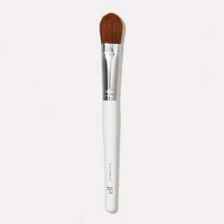 🔥 e.l.f. Foundation Brush