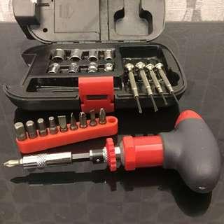 螺絲批工具盒 Screwdriver Set