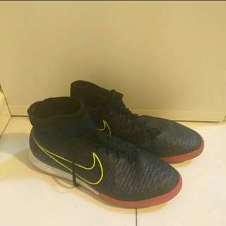 CHEAP NIKE MAGISTAX