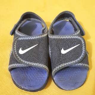 Nike sunray toddler size 7C