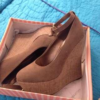 Caramel Heels Size 39