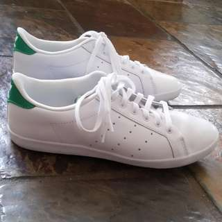 Womens green Stan Smith size 6 - excellent condition
