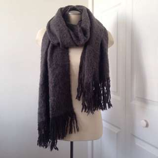 H&M grey wool scarf