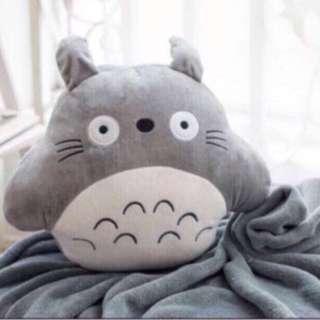 Xmas gift- totoro round Blanket Cushion With handwarmer