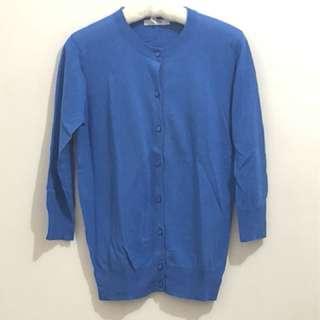 🚚 藍色罩衫