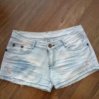 Celana sobek jeans