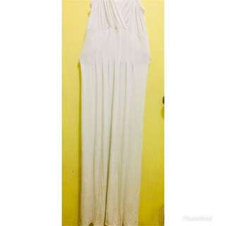 Pre-loved Long white comfy summer dress
