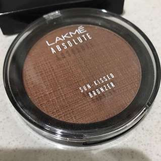 Lakme absolute sun kissed bronzer