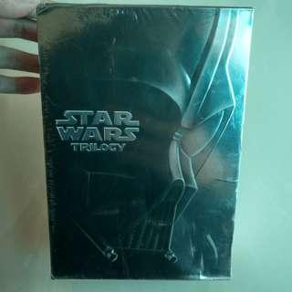 🚚 全新 星際大戰 4、5、6 精裝合輯DVD