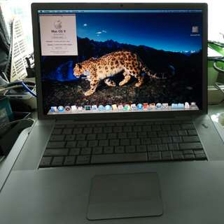 MacBook 15 inch 2008 model