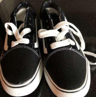 類vans鞋