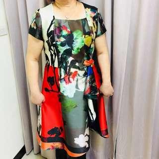!代售!全新龍笛花色後質感洋裝
