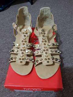 Brand new therapy studded sandals
