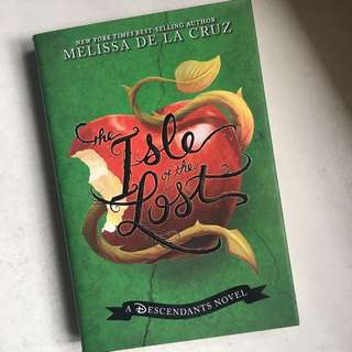 Isle of The Lost by Melissa de La Cruz