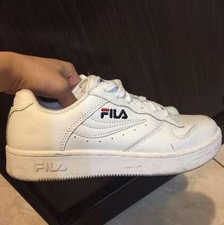 Fila鞋 尺寸24