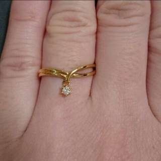 18K Yellow Gold Rong with dancing Diamond