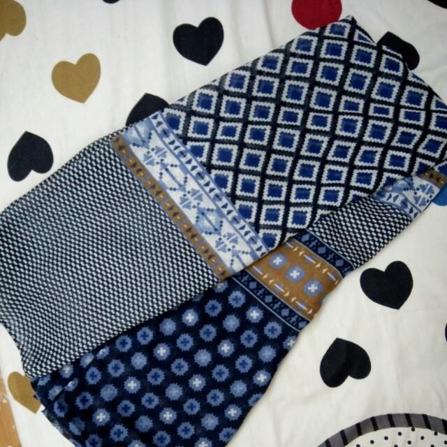 💘九折💘全新藍棕幾何民俗風絲巾圍巾