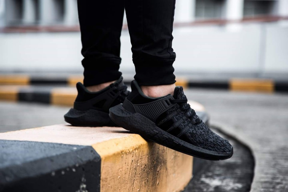 adidas EQT Support 9317 Triple Black (BY9512)