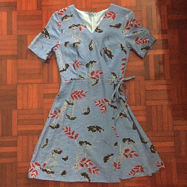 Blue leaf printed dress