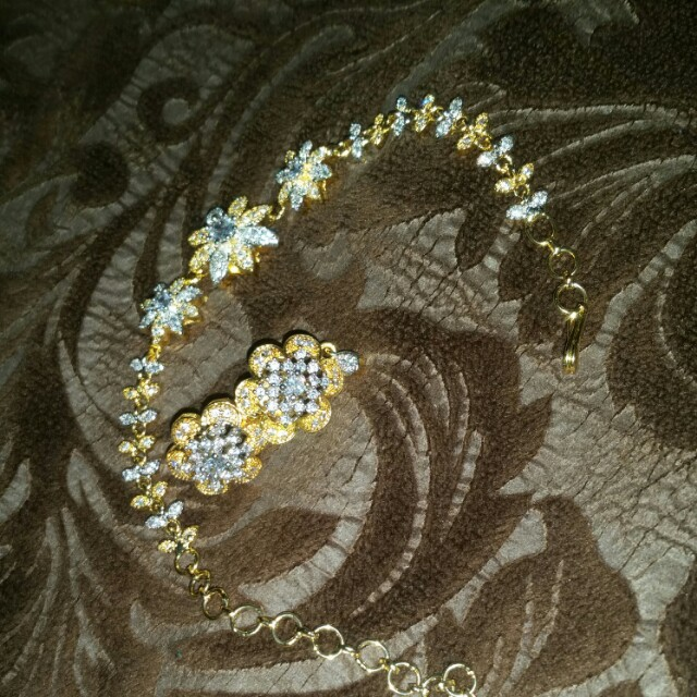 bracelet with earrings