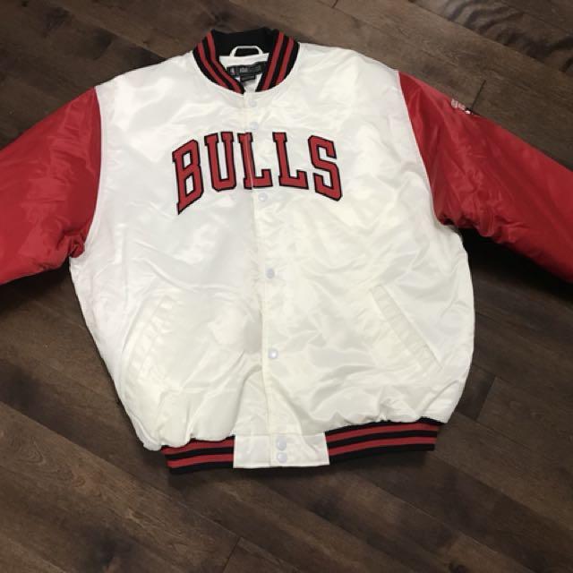 Chicago Bulls Bomber Size Large