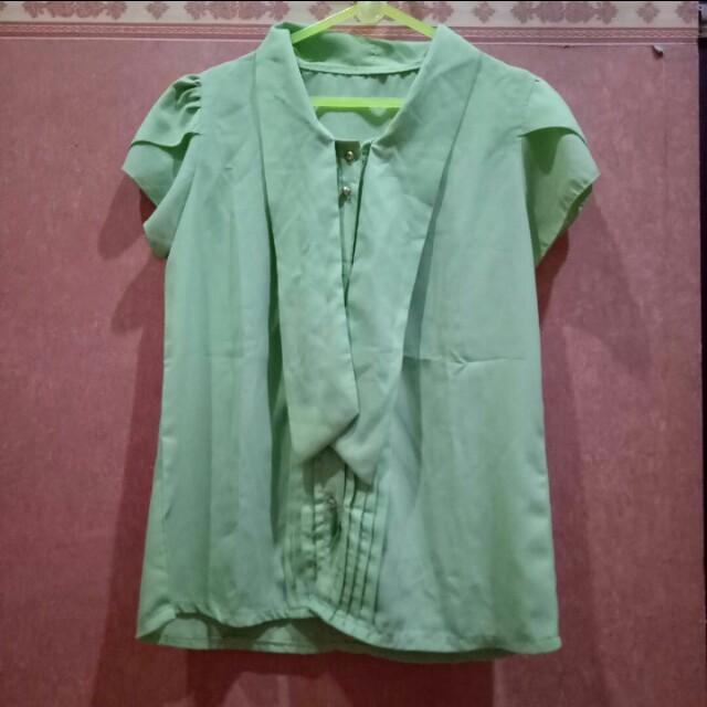 🎄CHRISTMAS PROMO🎄 Bright Green Shirt