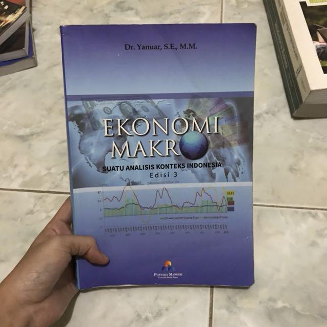 Ekonomi Makro Dr.yanuar, S.E