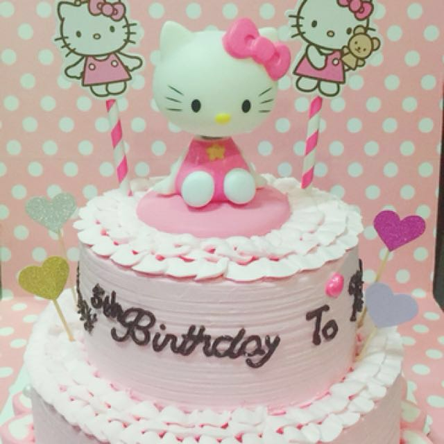 Hello Kitty 2 Layer Birthday Cake Food Drinks Baked Goods On
