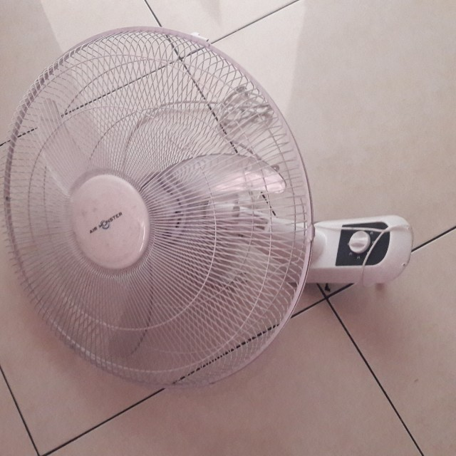 "kipas angin gantung merk "" air monster ""by ace hardware"