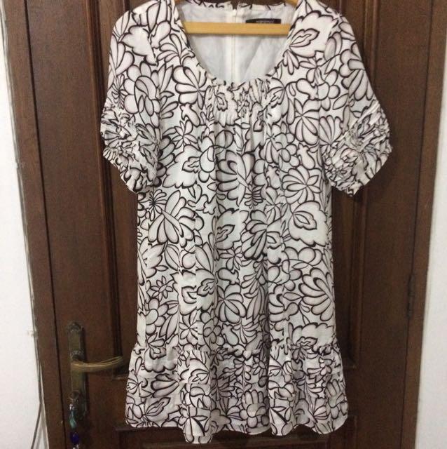 Minimal Dress size XXL