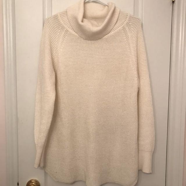 Oversized White Knit Turtleneck