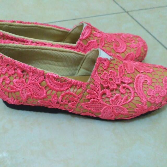 Sepatu Brokat Prada