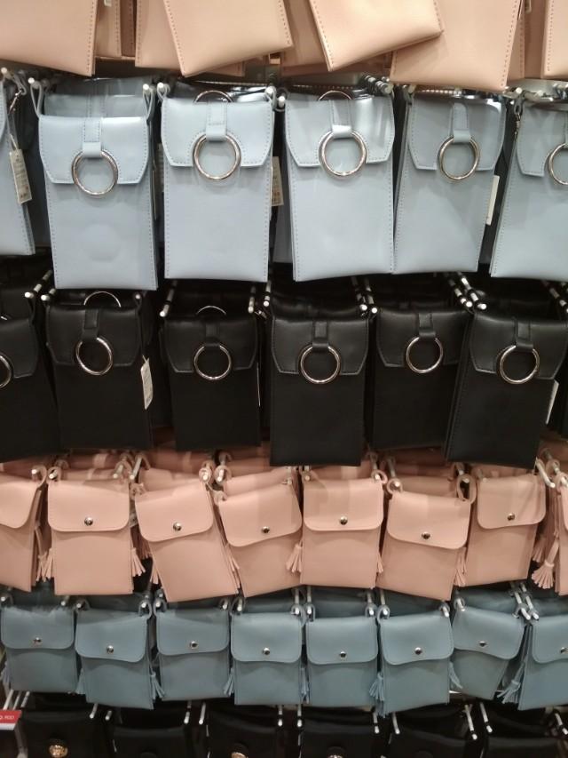 Sling bag handphone