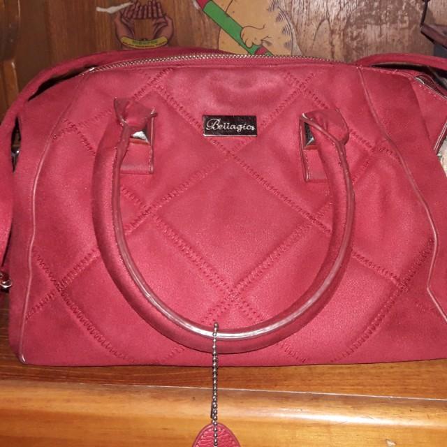 Sling bag merah