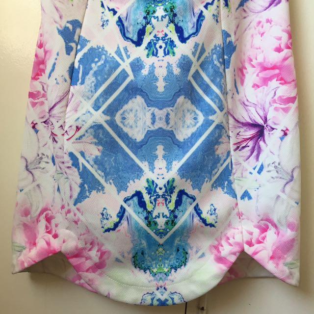 Stunning super cheap cross back mini dress !